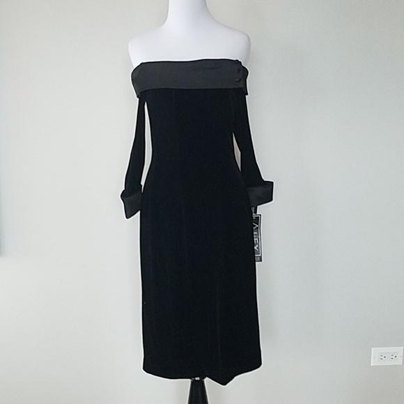414ccf6663 NWT Black velvet strapless cocktail dress